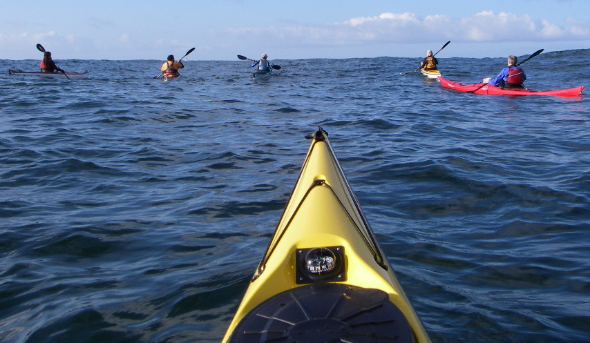 Following a bearing on an open ocean paddle
